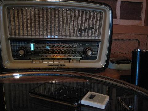 でも、好きな曲が偶然ラジオから流れるうれしさにはかなわない。