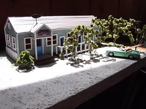 今回も偶然オールドサーファーの方が作ってくれました。千倉在住の私と同年代の方。鉄道模型が趣味だとは知りませんでした。