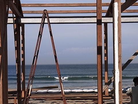 千倉の海開きは7月23日。海の家もボチボチ建ち始めた。