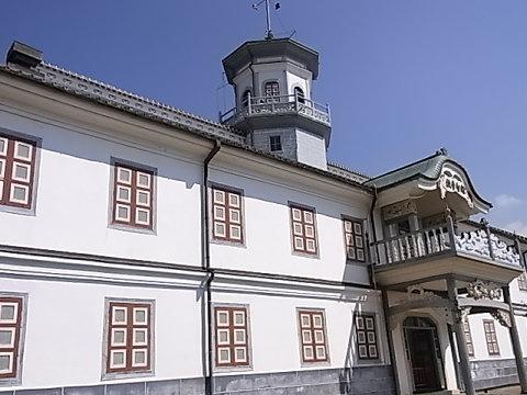 明治の洋風建築「開智小学校」日本最古の小学校のひとつ。近代教育の夜明け。