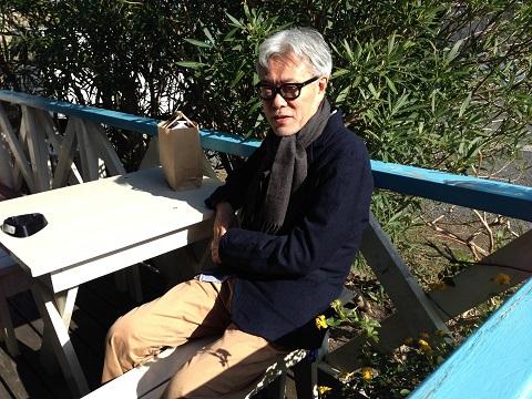 事あるごとに千倉の事を書いてくれる水丸さんは、私の中では名誉町民なのだが、そう思っている同輩も多いはず。 紺のジャケットにチノというスタイルは「Free&Easy」誌などで見るそのまま。不変です。