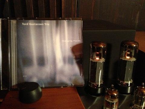 Tord Gustavsen Trio「Changing Places」他のアルバムも遜色ありません。