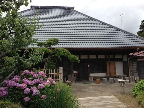 御宿まで来たらここに来ないとね。築200年の古民家の蕎麦屋「幸七」です。蕎麦栽培もしている本格派。