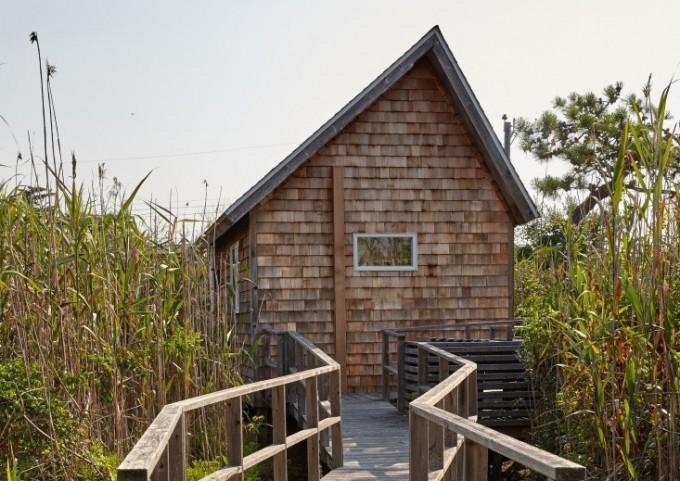 東海岸風の木端葺きの外壁。