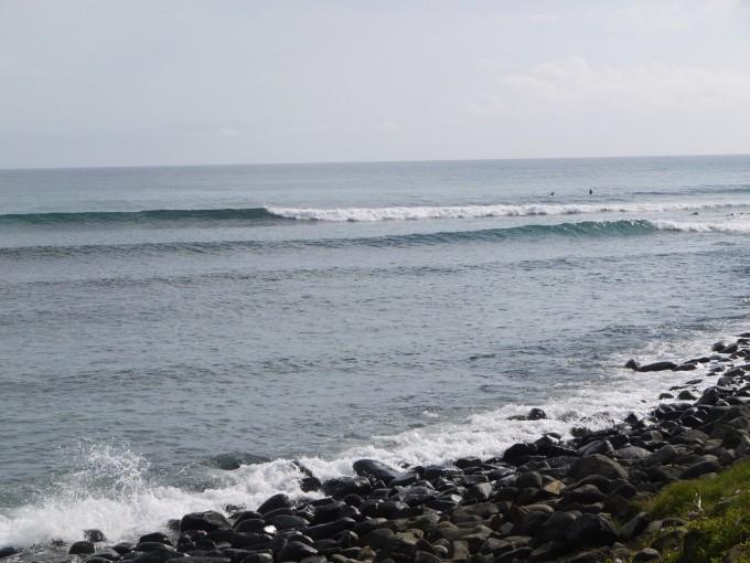 思い出に残る夕方の翌日はサイズダウンしたが長く乗れる腰〜腹のクリーンな波