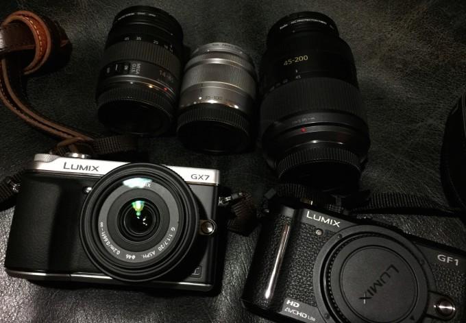 今2台のLUMIXが手元にある。GF1とGX7。このサイズの四角いカメラが好み。25ミリのパンケーキ、14-45ミリ、シルバーの35-100ミリ、45-200ミリの望遠と揃った。