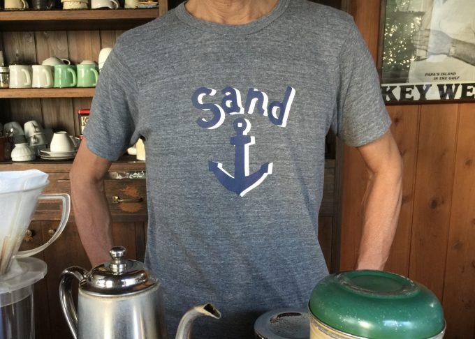 今年もTシャツ作りました。2色にしました。着心地イイですよ。