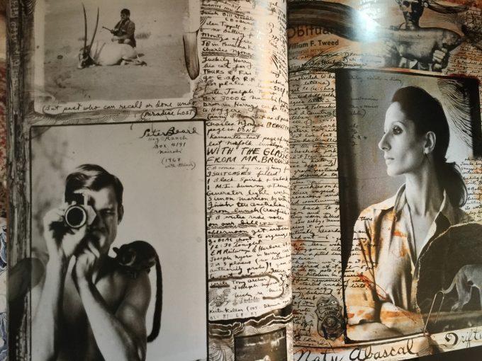 日記の1ページ。左下の写真でカメラを構えるのは若き日のビアード。